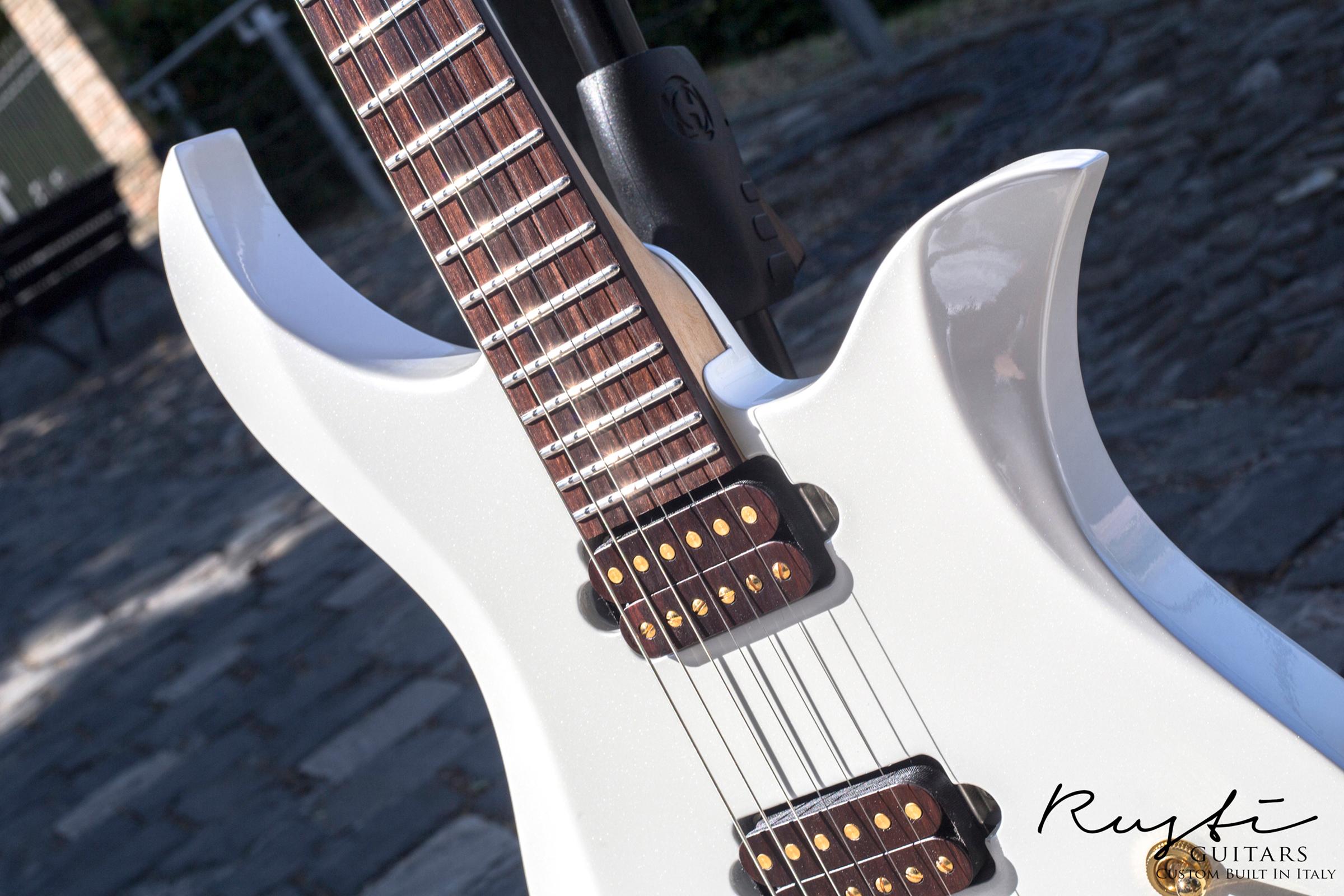 Rusti Guitars_Motion1_News01f