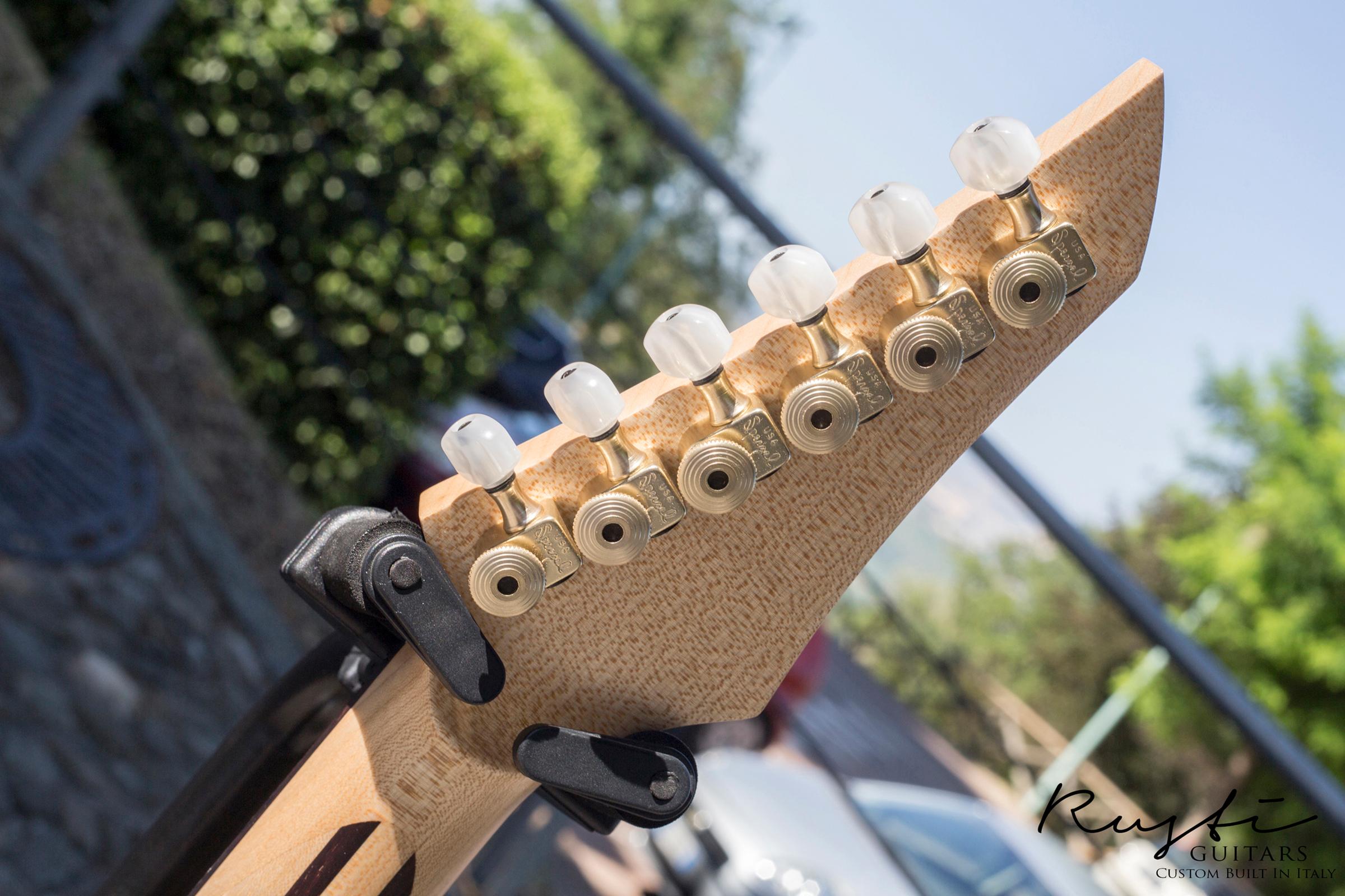 Rusti Guitars_Motion1_News01g