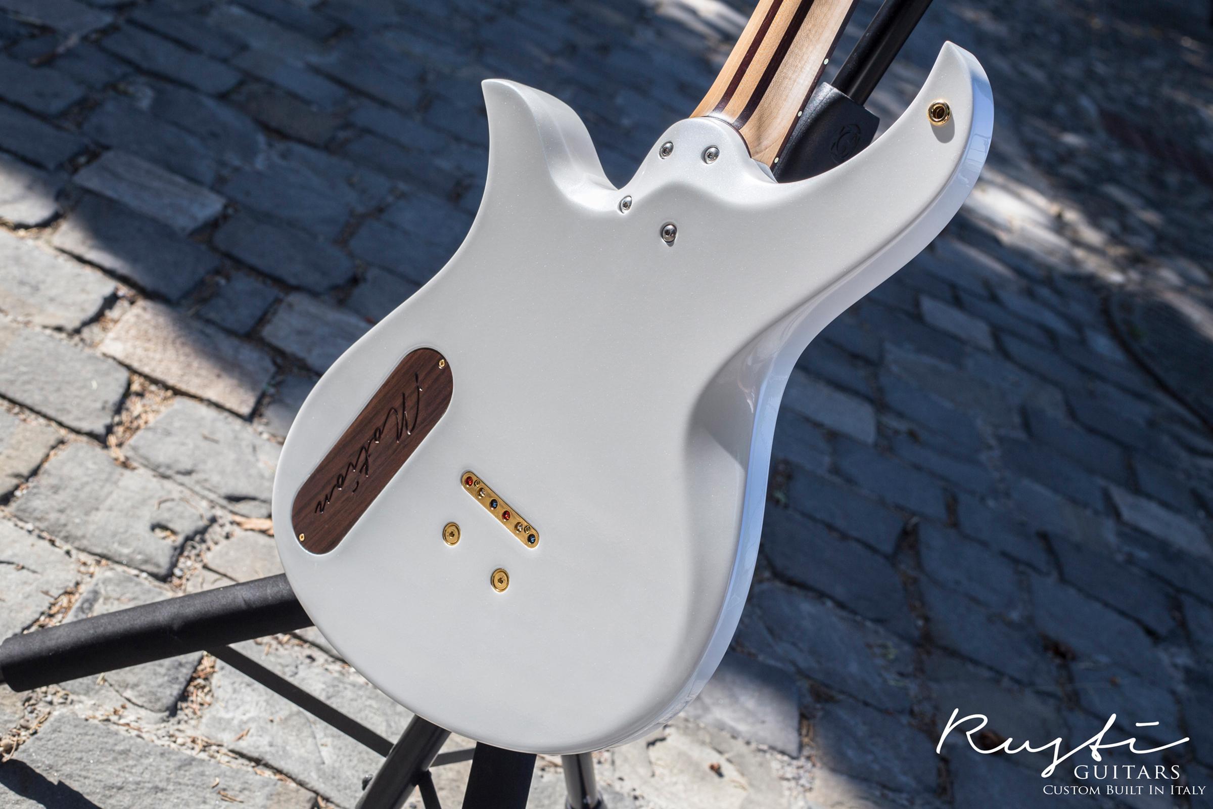 Rusti Guitars_Motion1_News01i